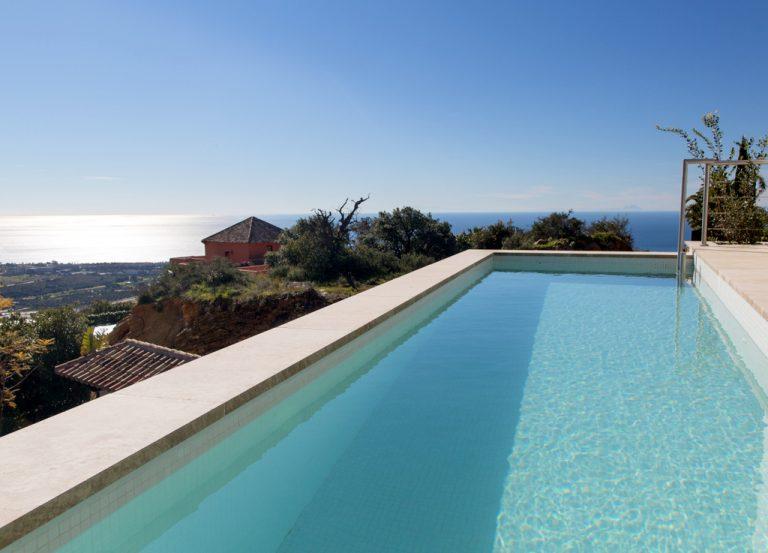Amazing Villas with Infinity Pools
