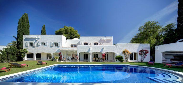 Spectacular Summer Holiday Villa