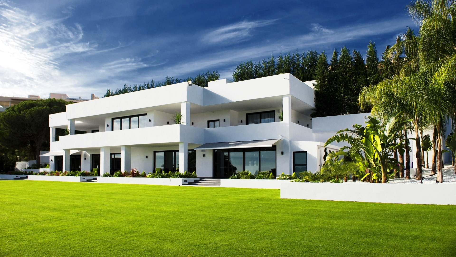 Nueva Andalucia and the golf valley - Marbella Unique Properties