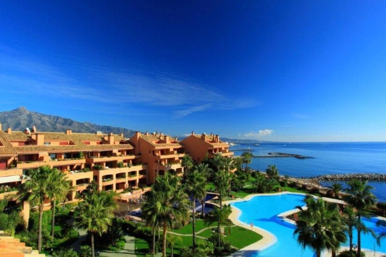 Apartamentos en venta con piscina cubierta climatizada - Venta apartamentos playa cullera ...