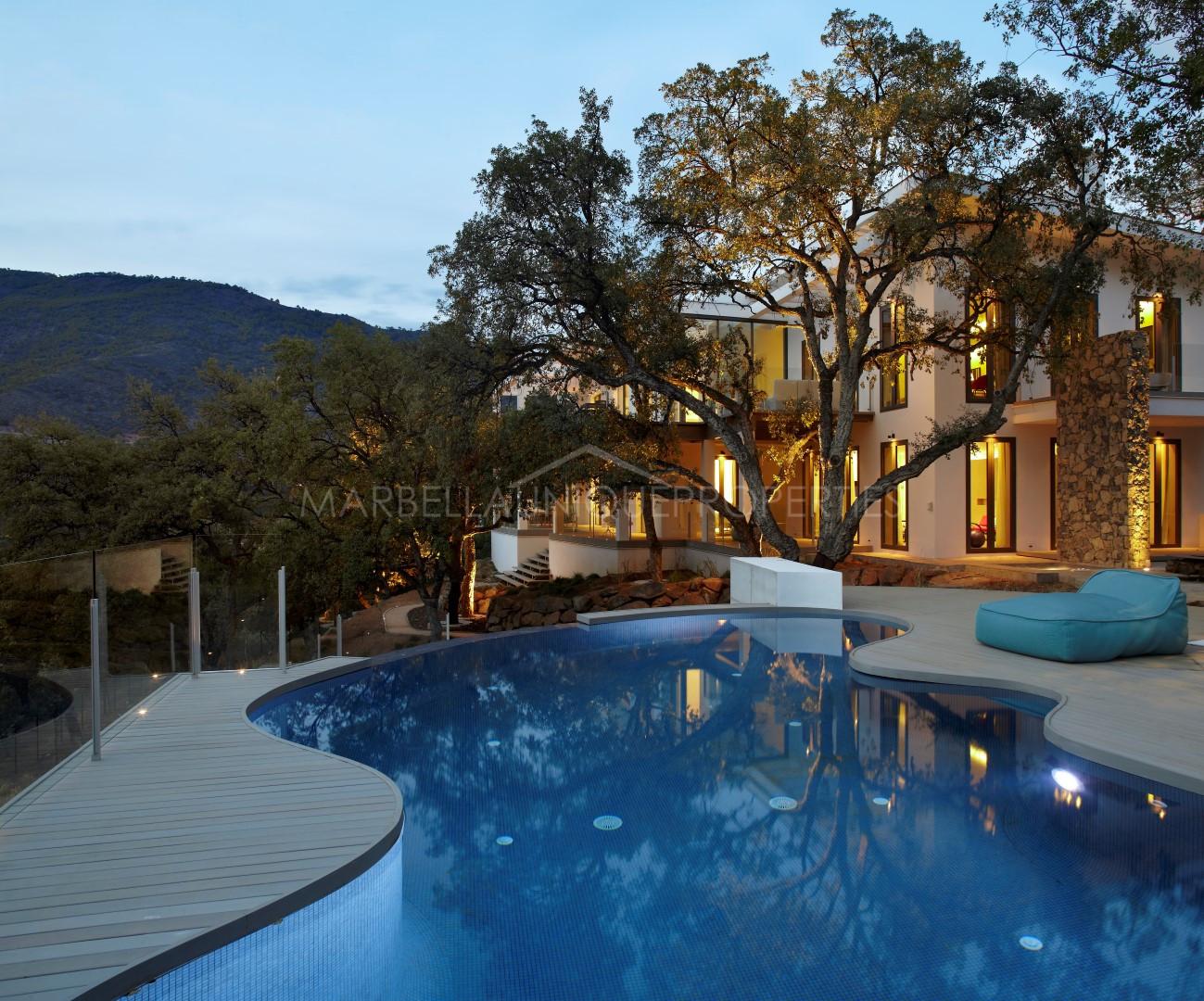 The Best Properties in La Zagaleta - Marbella Unique Properties - Magnificent brand new contemporary 4 bedroom villa in La Zagaleta, 5.900.000€
