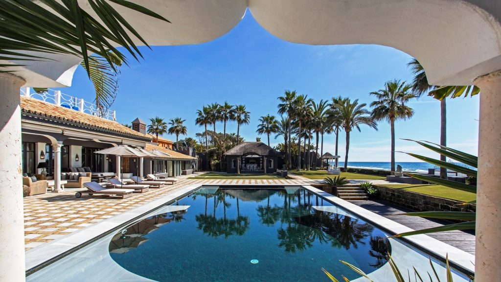Los Monteros, maximum discrection in Marbella East