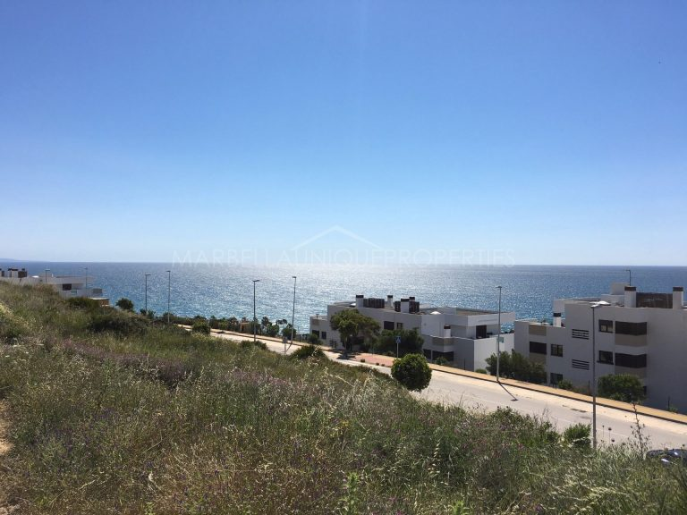 826m2 Plot with stunning panoramic views of the Mediterranean for sale in Camarate Golf