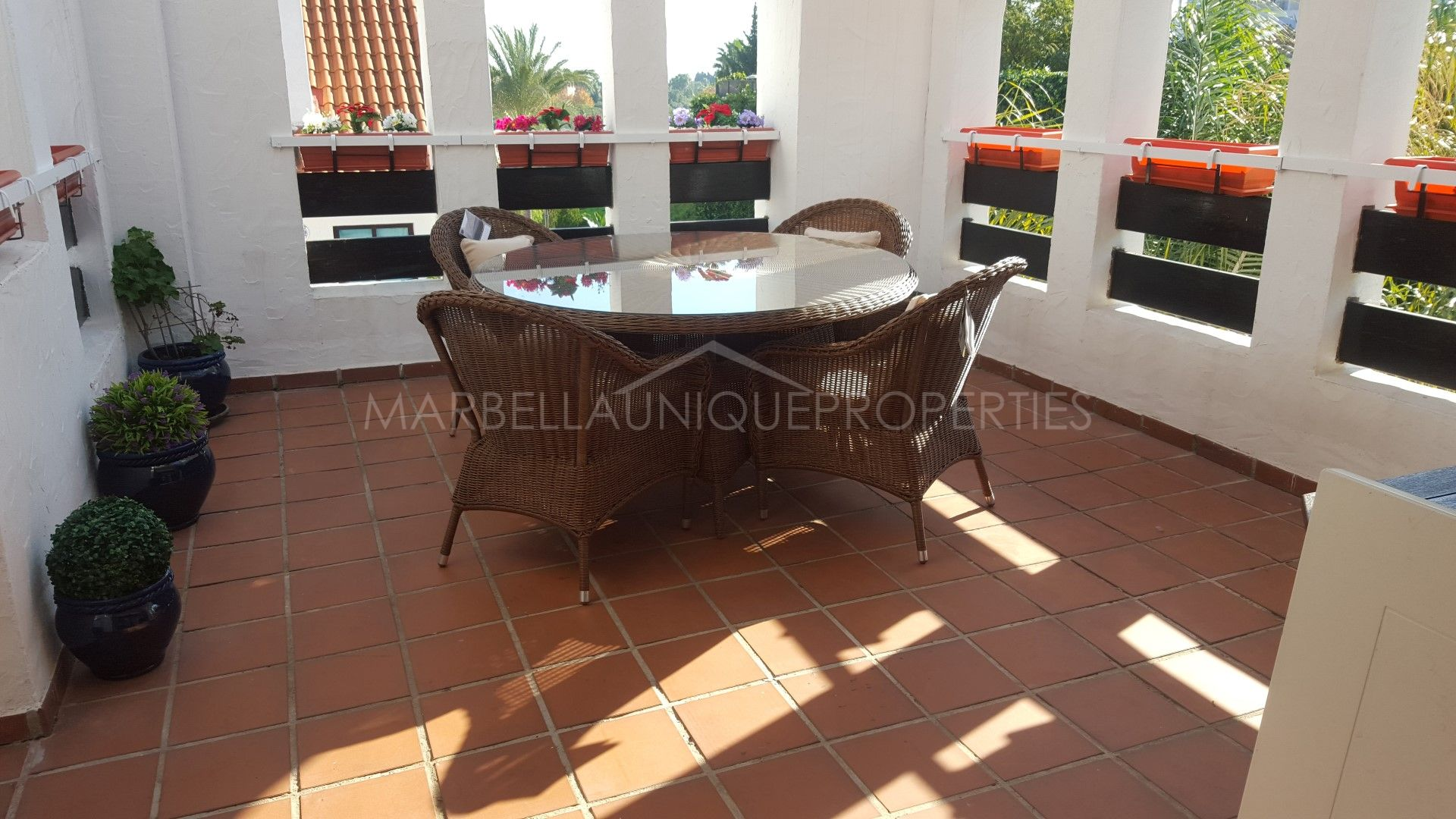 LOVELY 2 BEDROOM APARTMENT IN NUEVA ANDALUCIA