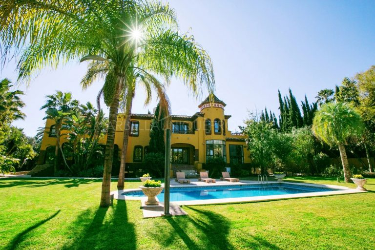 EXCLUSIVE  IN ATALAYA RIO VERDE FOR SALE