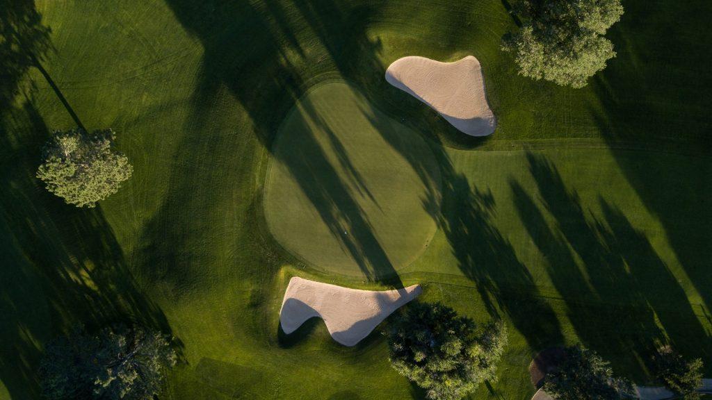 Propiedades en primera linea de golf – Nueva Andalucia To Marbella East - Marbella Unique Properties