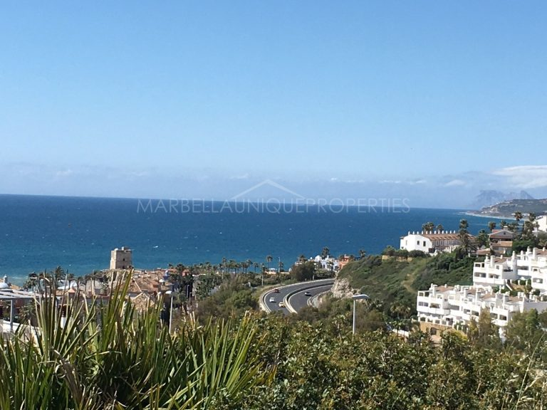 Plot for sale in Camarate Golf with stunning panoramic sea views