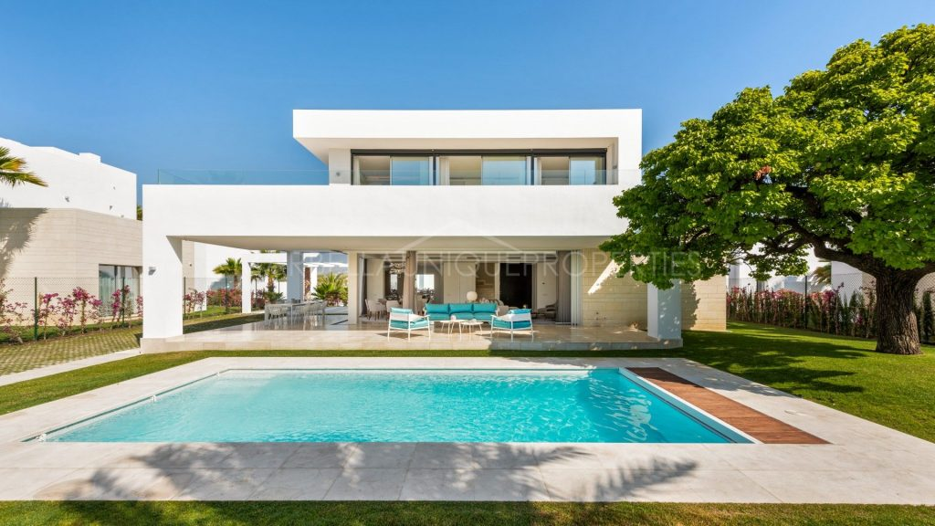 Villa for sale in La Finca - Marbella Unique Properties Real Estate